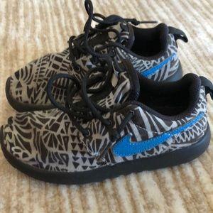 Toddler Nike Roshe Printed Shoe Size 11c